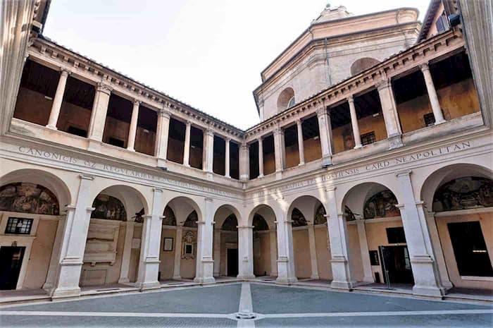 Chiostro del Bramante a RomaChiostro del Bramante a Roma